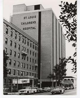 Exterior view of St. Louis Children's Hospital and Nurses' Residence.