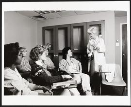 Beverly Krause giving a lecture, Nurse Anesthesia Program, Washington University School of Medicine.