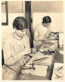 Susan Barnes and Helga Halive in jewelry class, St. Louis School of Occupational Therapy.