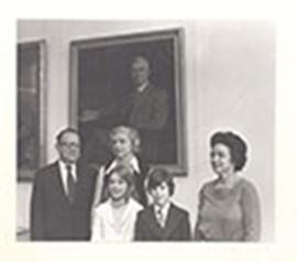 Group portrait of Drew Luten, Alice Cowdry Luten, Margaret Cowdry Park Luten, and two grandchildr...