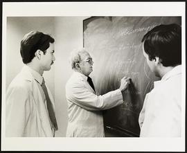 Dr. Willard Walker and two unidentified students, Department of Medicine, Washington University S...