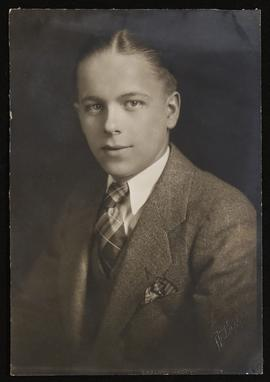 Studio portrait of George Zindler.