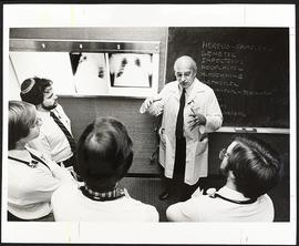 Dr. William Peck with a group of students, Department of Medicine, Washington University School o...