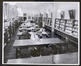 Students reading in the North building reading room, Washington University School of Medicine Lib...
