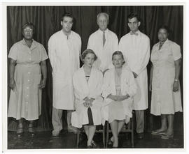 Group portrait of Evarts A. Graham and the men and women working with him on a bronchiogenic carc...