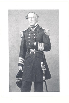 Man in American Civil War uniform with epaulettes and sword.