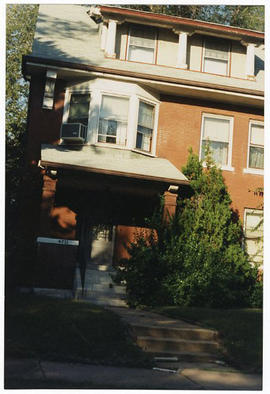Exterior view of Evarts A. Graham's home, 4711 Westminster, St. Louis, Missouri.