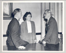 Carl F. Cori, Gerty T. Cori, and University Chancellor Arthur Compton.