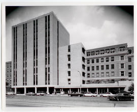 Exterior view of the Spoehrer Building, St. Louis Children's Hospital.