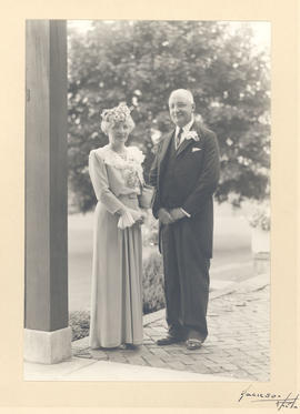 Portrait of Helen Tredway and Evarts A. Graham.