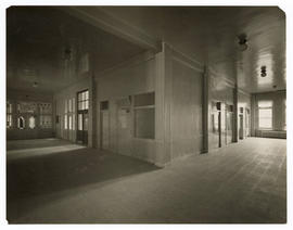 Barnes Hospital, corridors of accident room and receiving wards, c.1914-1915.