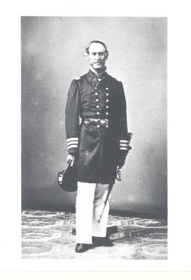 Man in American Civil War uniform with sword.